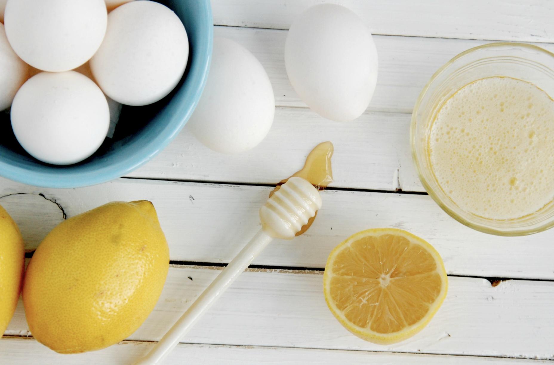 Mặt nạ chuối làm trắng da với chanh và lòng trắng trứng