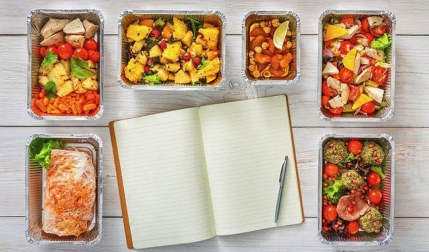 Tuyệt đối không bỏ bữa và nên chia nhỏ các bữa ăn