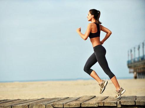 Chạy bộ buổi sáng và hít thở không khí trong lành