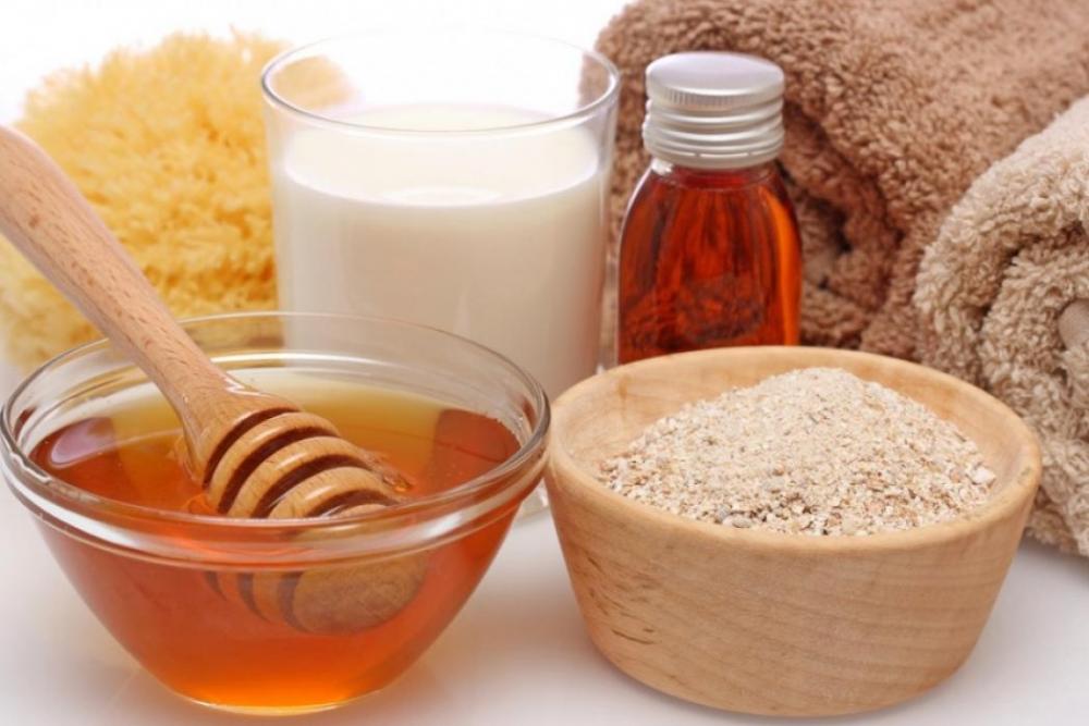 Công thức hoàn hảo giúp làm trắng da bằng lạc, sữa tươi không đường, mật ong và cám gạo