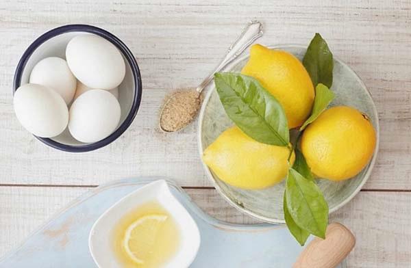 Cách làm trắng da bằng chuối với mặt nạ từ chuối chín, trứng gà và nước cốt chanh