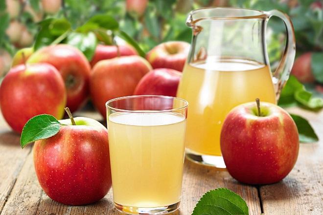 Nước ép ổi với táo mát lạnh