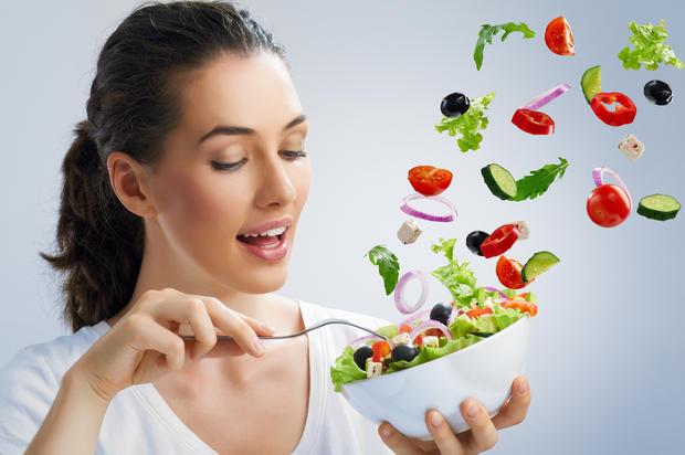 Điều chỉnh dinh dưỡng để giảm cân sau sinh mổ an toàn