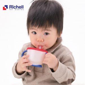 Mẹo tập uống đúng cách cho bé với Cốc Tập Uống chuẩn Nhật